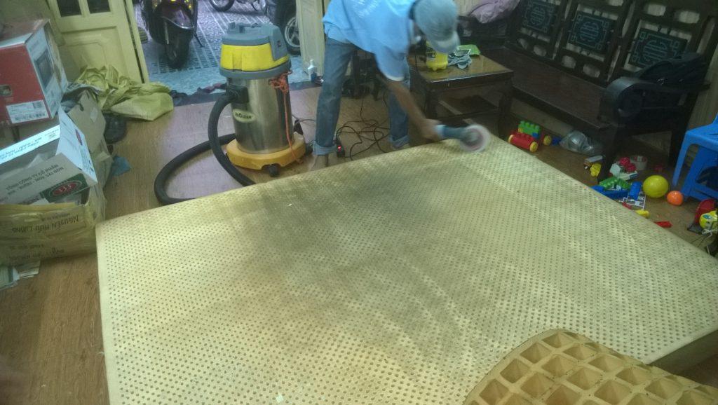 Dịch vụ giặt đệm tại nhà Hà Nội